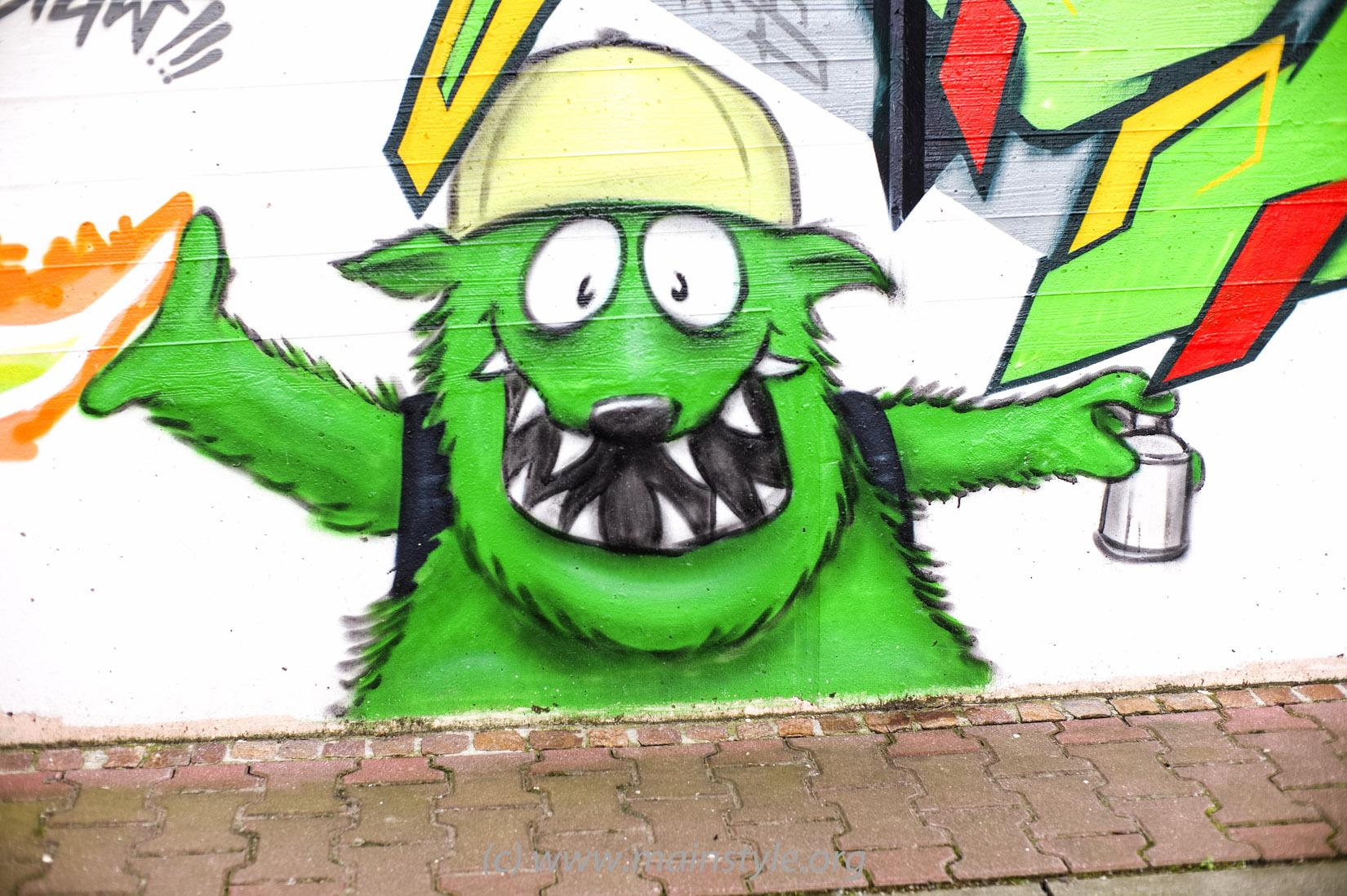 Frankfurt-Höchst_Graffiti_Süwag-Wall_2012 (16 von 35)