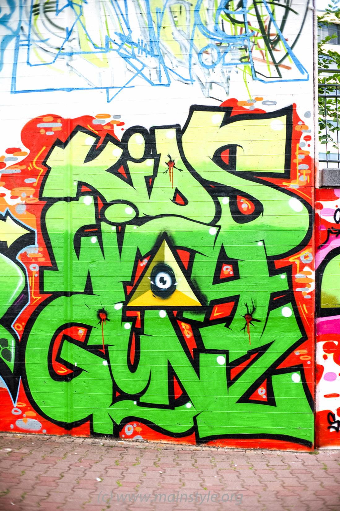 Frankfurt-Höchst_Graffiti_Süwag-Wall_2012 (2 von 35)