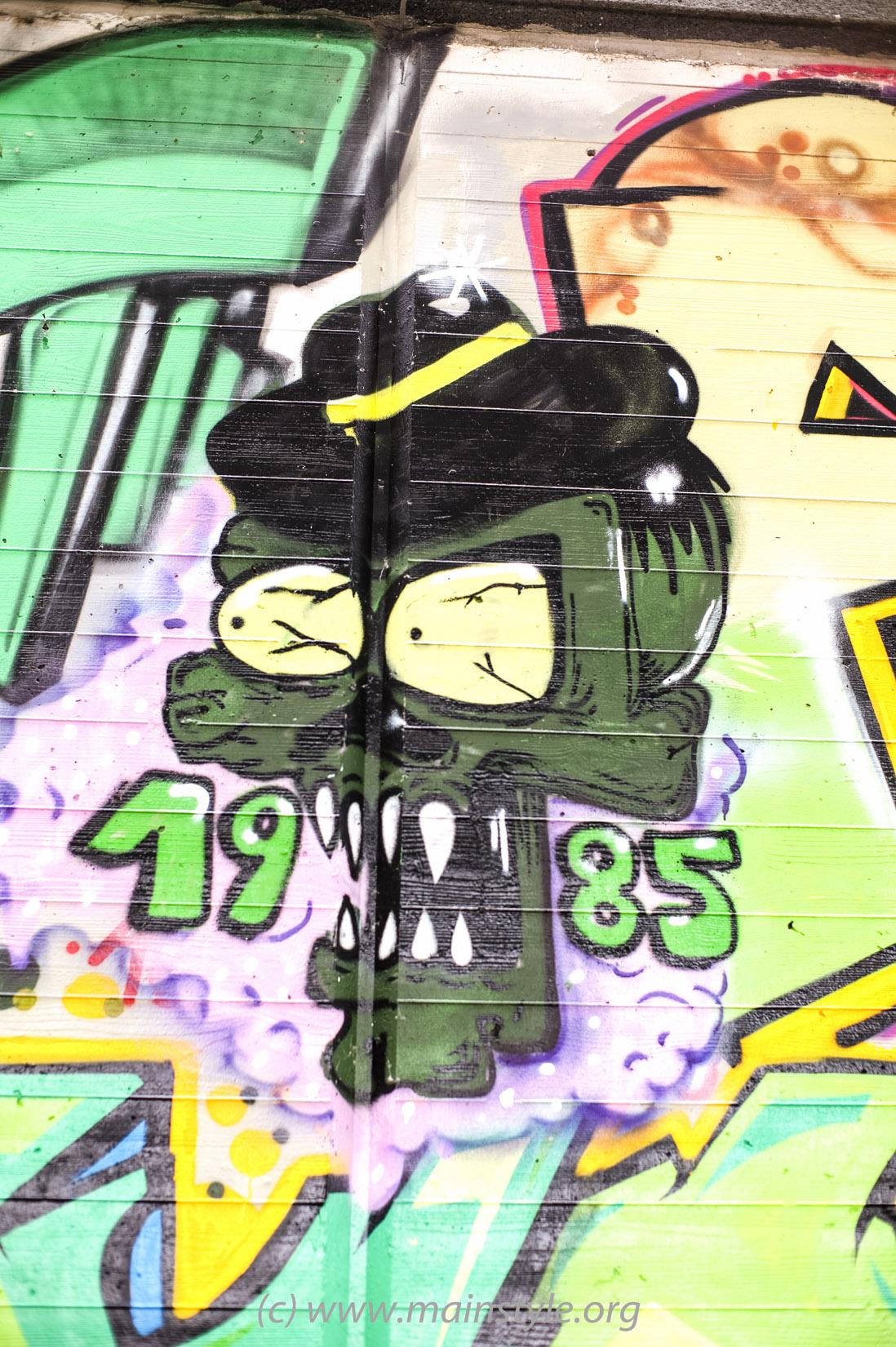 Frankfurt-Höchst_Graffiti_Süwag-Wall_2012 (22 von 35)