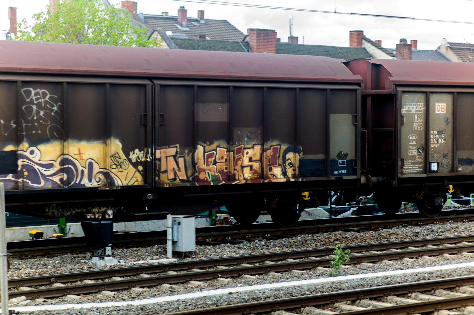 Frankfurt_Graffiti_Gallus Warte_2014-03 (24 von 45)