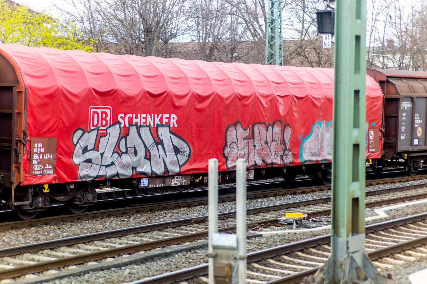 Frankfurt_Graffiti_Gallus Warte_2014-03 (40 von 45)