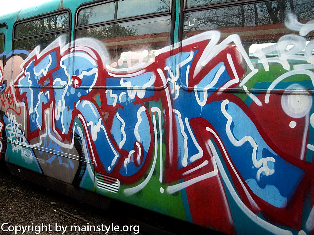Frankfurt_Graffiti_U-Bahn_Straßenbahn_2010-2013-1158