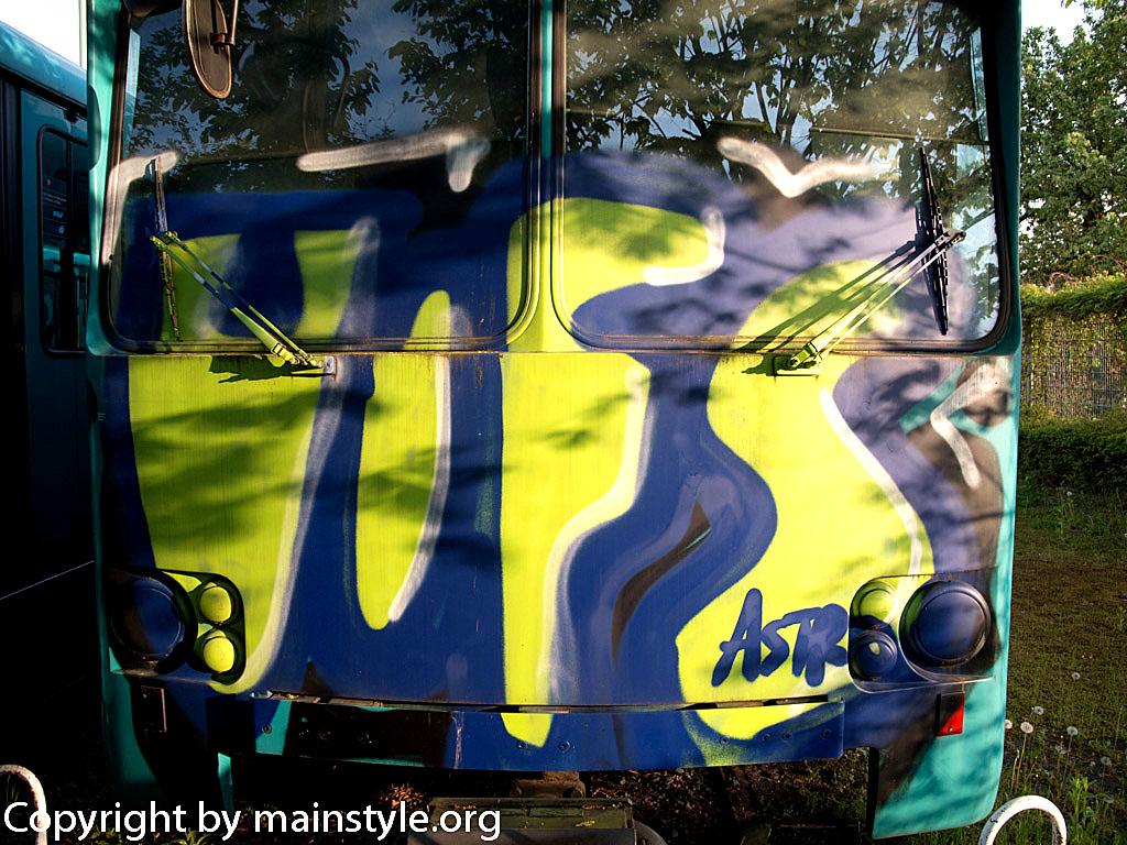 Frankfurt_Graffiti_U-Bahn_Straßenbahn_2010-2013-1221