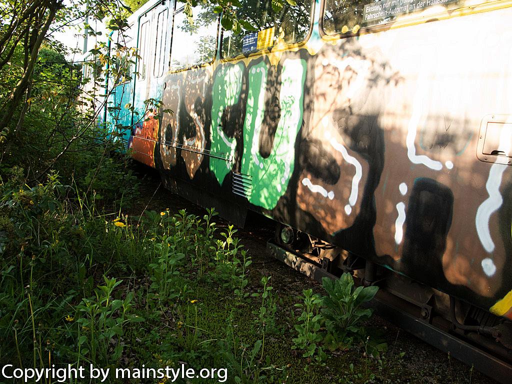 Frankfurt_Graffiti_U-Bahn_Straßenbahn_2010-2013-1229