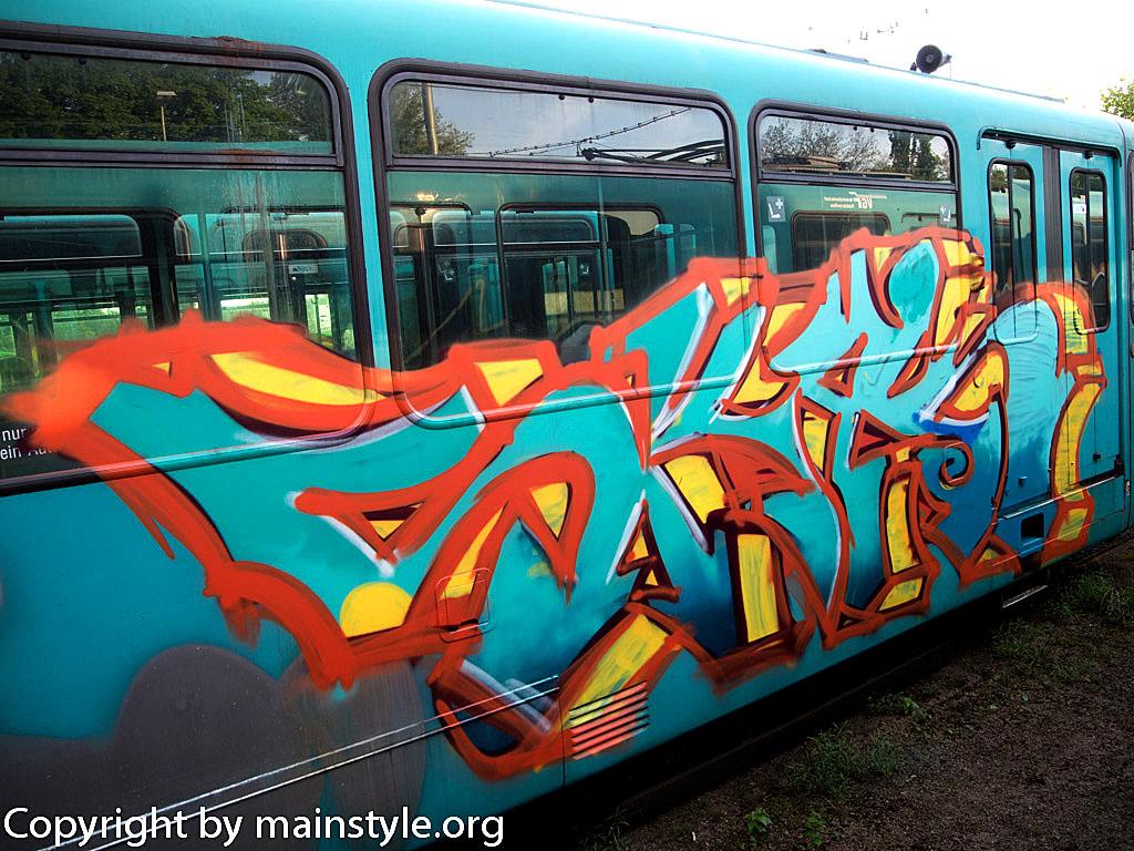 Frankfurt_Graffiti_U-Bahn_Straßenbahn_2010-2013-1250