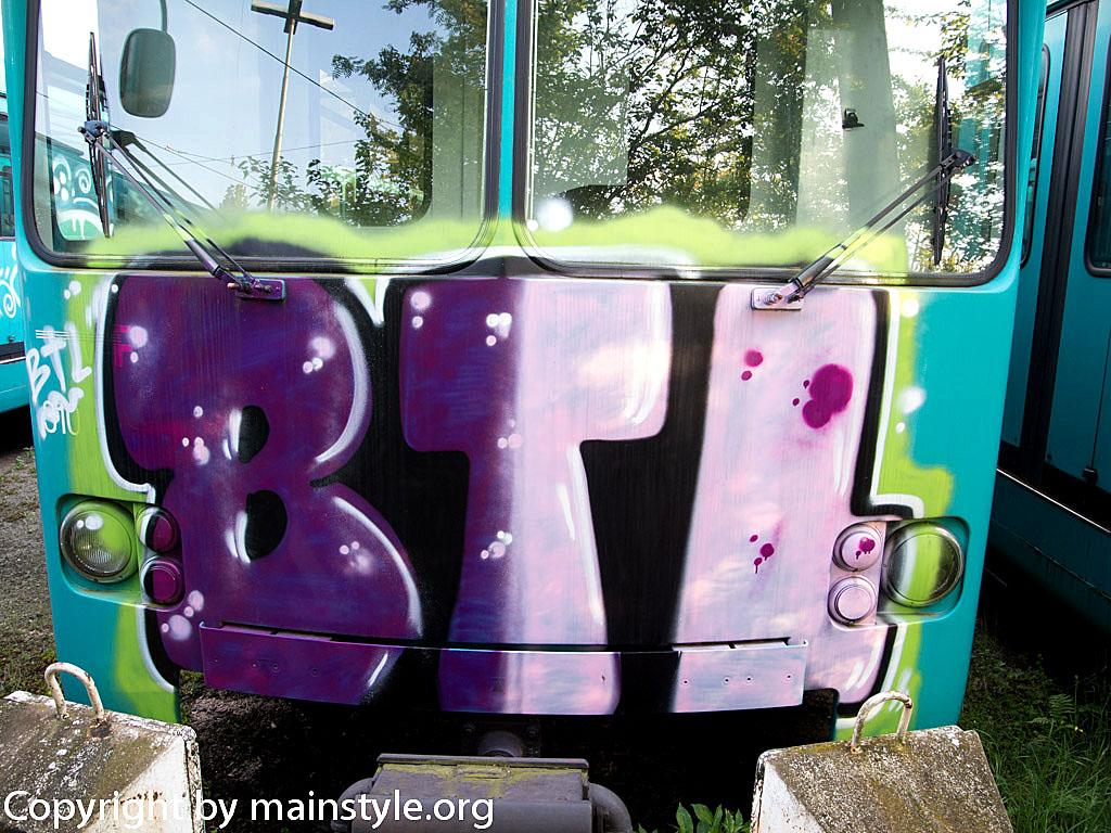 Frankfurt_Graffiti_U-Bahn_Straßenbahn_2010-2013-BTL_3