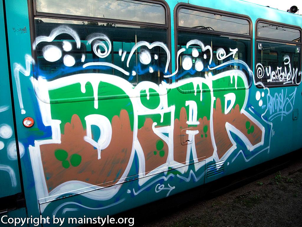 Frankfurt_Graffiti_U-Bahn_Straßenbahn_2010-2013-DIAR