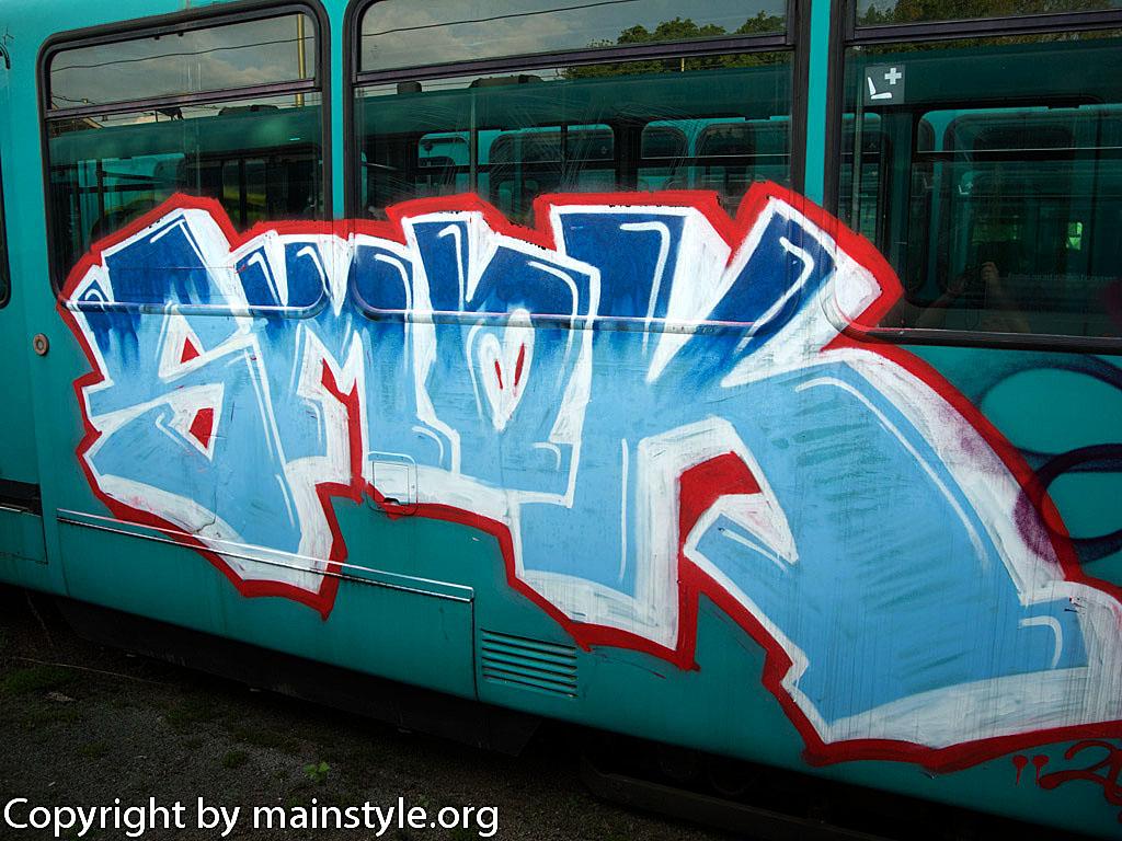 Frankfurt_Graffiti_U-Bahn_Straßenbahn_2010-2013-SMOK