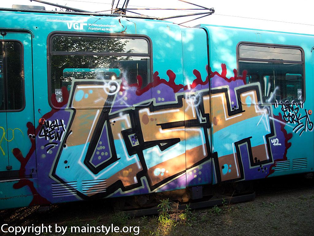 Frankfurt_Graffiti_U-Bahn_Straßenbahn_2010-2013-USH_1