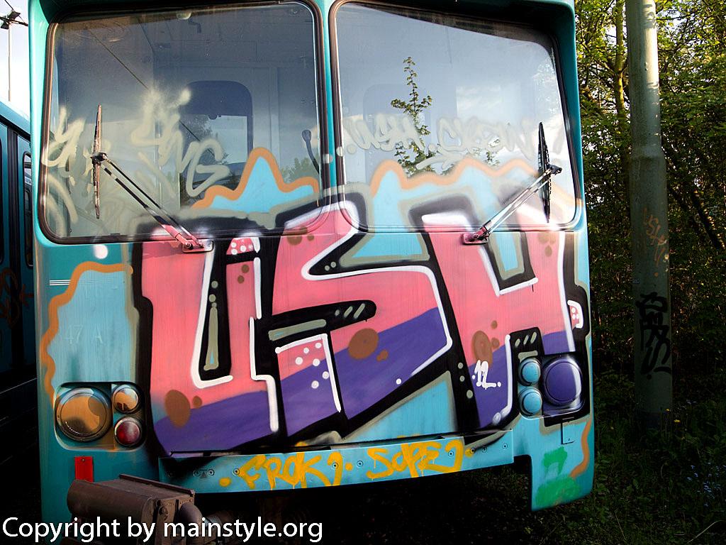 Frankfurt_Graffiti_U-Bahn_Straßenbahn_2010-2013-USH_2