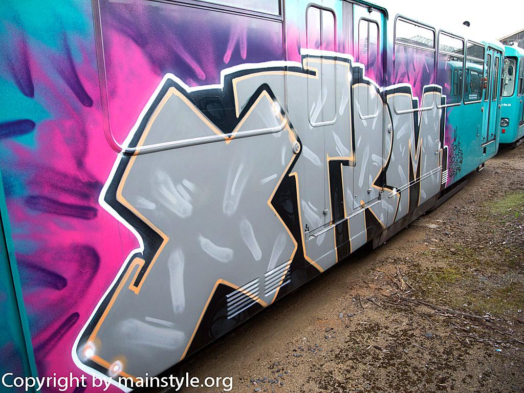 Frankfurt_Graffiti_U-Bahn_Straßenbahn_2010-2013-XTRM