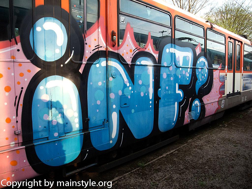 Frankfurt_Graffiti_U-Bahn_Straßenbahn_2010-2013-inf