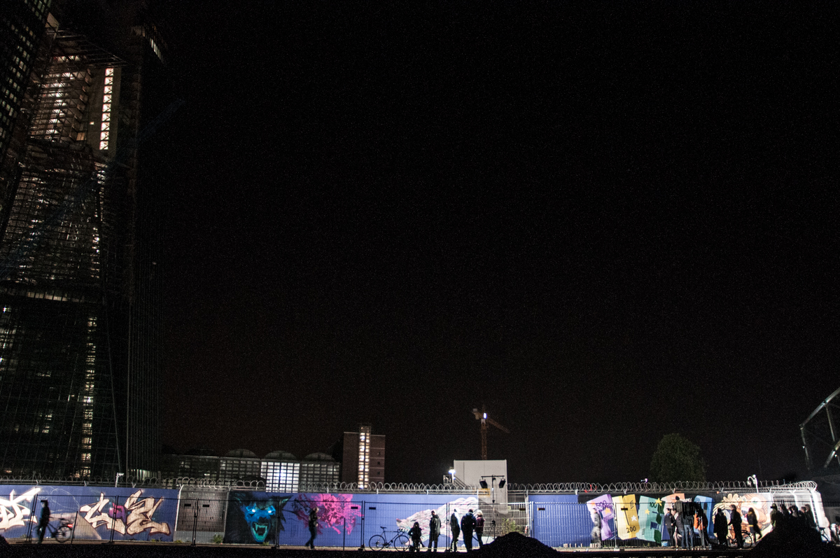 Frankfurt_Nacht_der_Museen_Graffiti_EZB_2013-6282