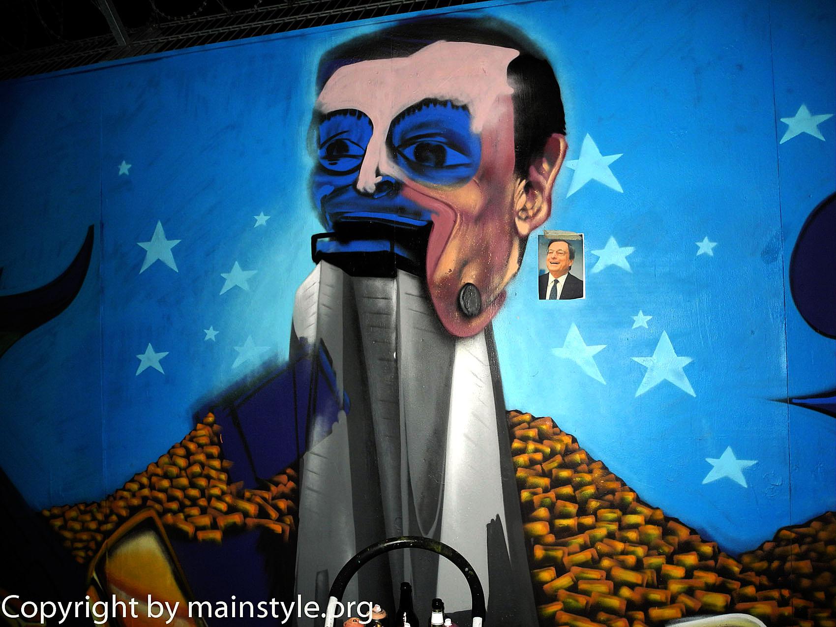 Frankfurt_Nacht_der_Museen_Graffiti_EZB_2013_-180