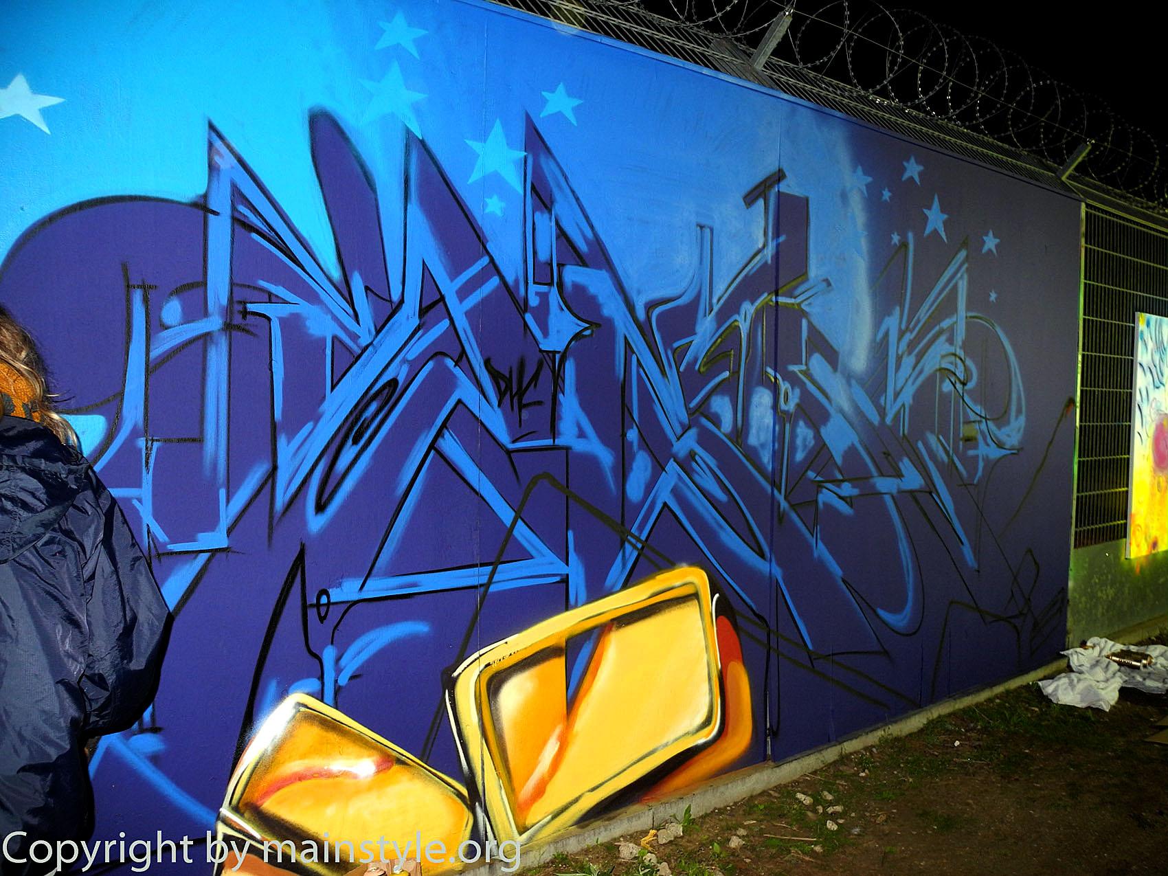 Frankfurt_Nacht_der_Museen_Graffiti_EZB_2013_-181