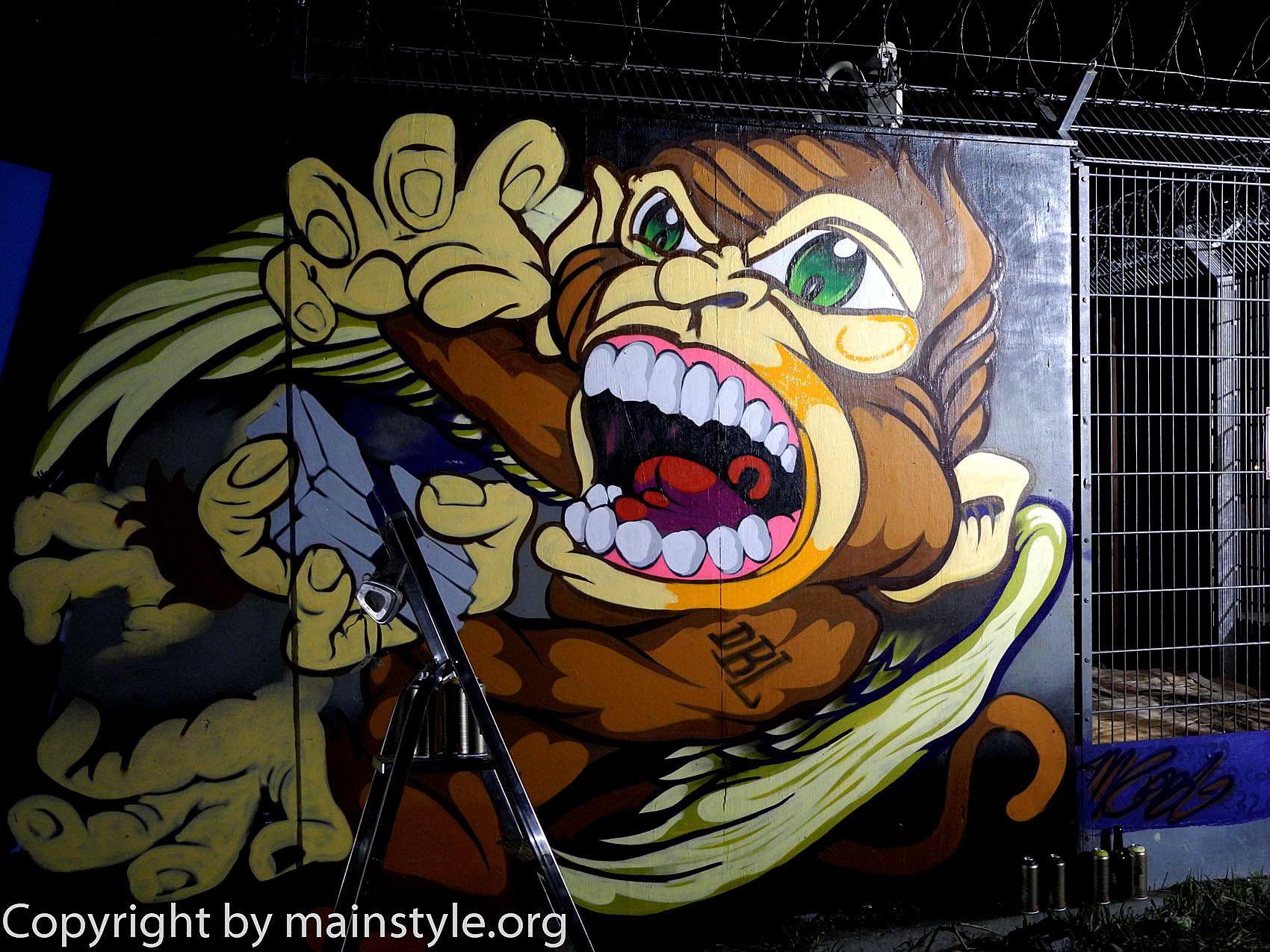 Frankfurt_Nacht_der_Museen_Graffiti_EZB_2013_-201