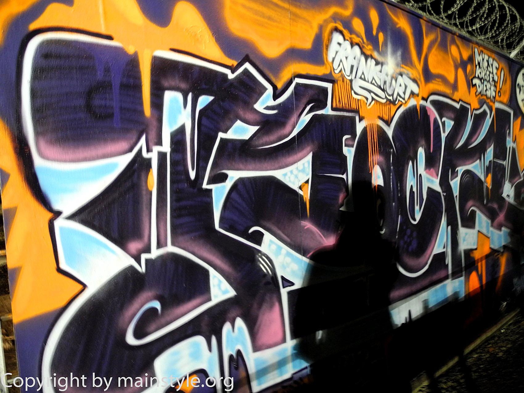 Frankfurt_Nacht_der_Museen_Graffiti_EZB_2013_-213