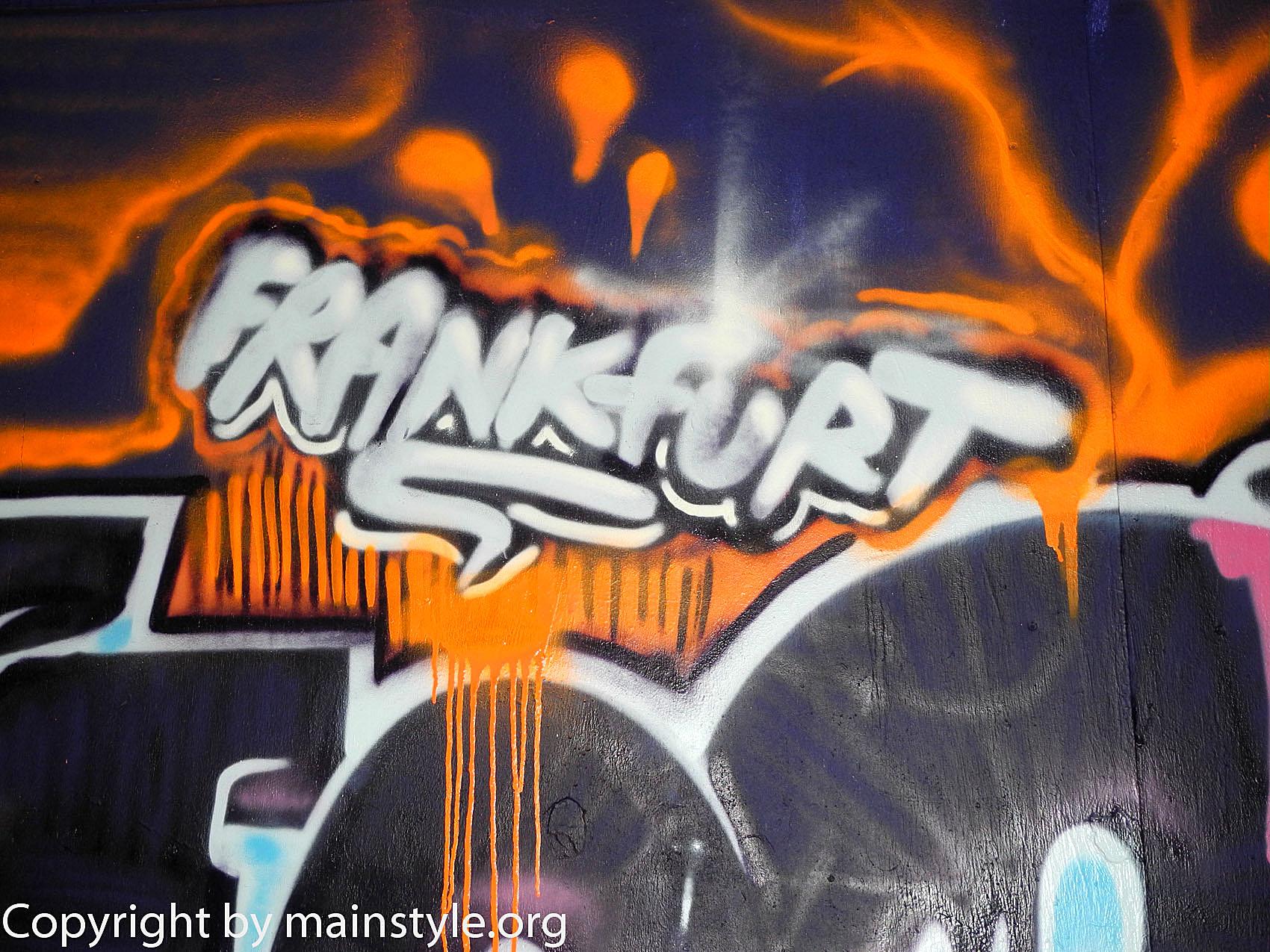 Frankfurt_Nacht_der_Museen_Graffiti_EZB_2013_-215