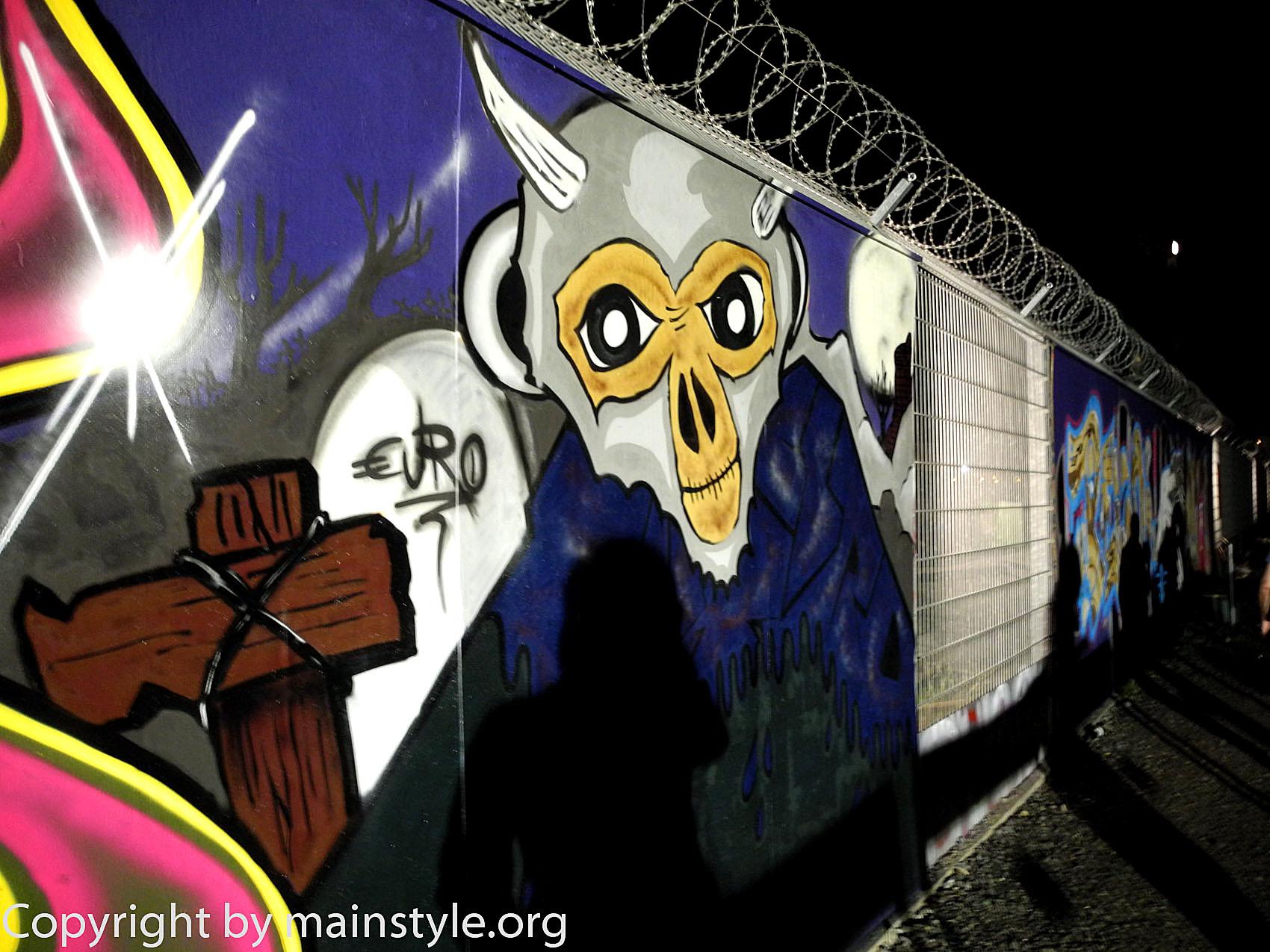 Frankfurt_Nacht_der_Museen_Graffiti_EZB_2013_-220