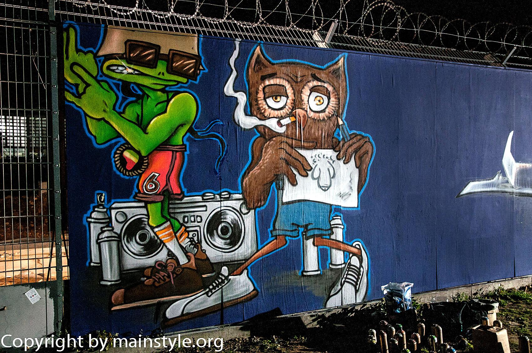 Frankfurt_Nacht_der_Museen_Graffiti_EZB_2013_-6240