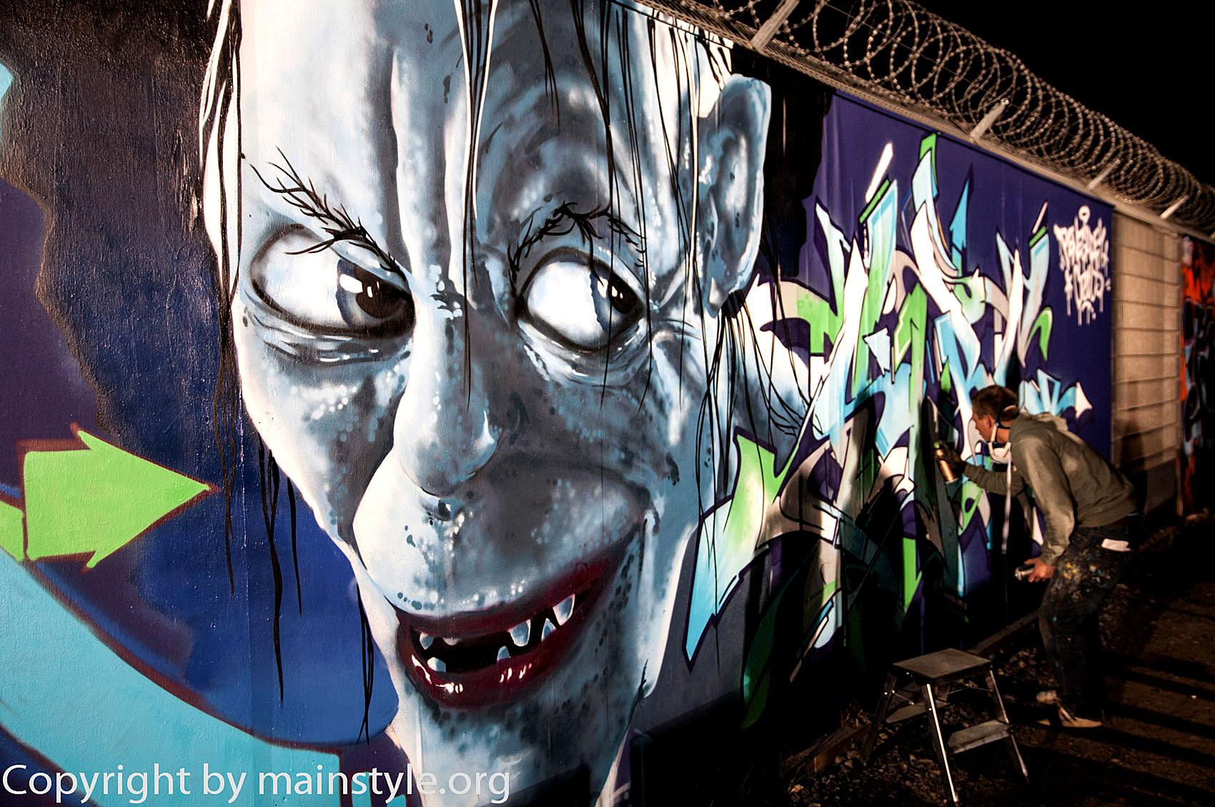 Frankfurt_Nacht_der_Museen_Graffiti_EZB_2013_-6264