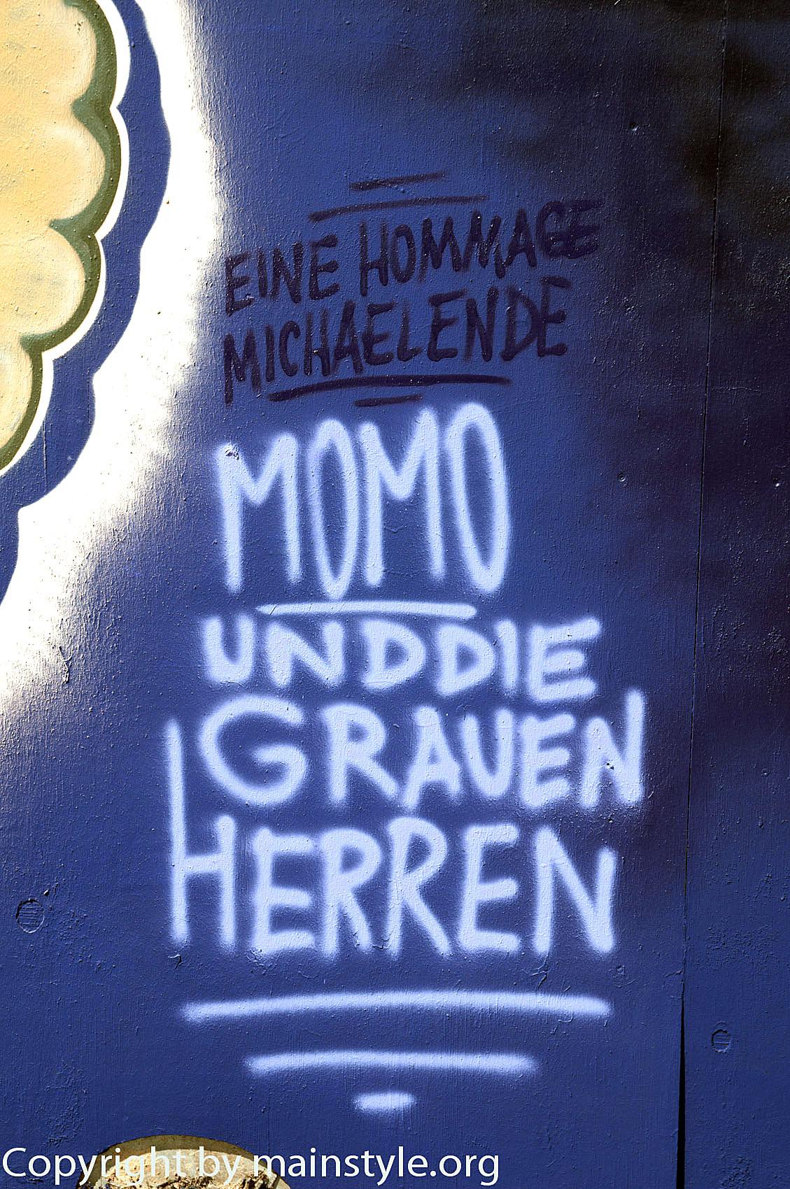 Frankfurt_Nacht_der_Museen_Graffiti_EZB_2013_-6471